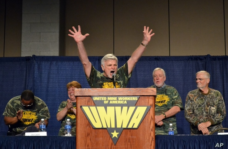 United Mine Workers of America president Cecil Roberts speaks to about 4,000 retired members at the Lexington Center in Lexington, Ky., on Tuesday, June 14, 2016. Roberts urged members to push for legislation that would protect pensions and health…