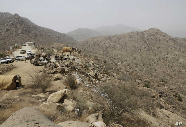 FILE - In this April 20, 2015 file photo, Saudi soldiers work at the border with Yemen in Jazan, Saudi Arabia. Houthi rebels in…