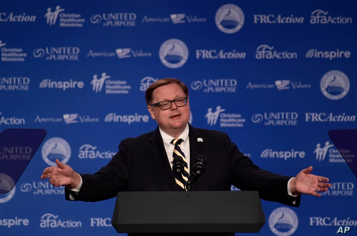 Todd Starnes of Fox News speaks at the 2018 Values Voter Summit in Washington, Saturday, Sept. 22, 2018. (AP Photo/Susan Walsh)