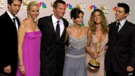 """FILE - In this Sept. 22, 2002, file photo, the cast of """"Friends,"""" from left, David Schwimmer, Lisa Kudrow, Matthew Perry,…"""