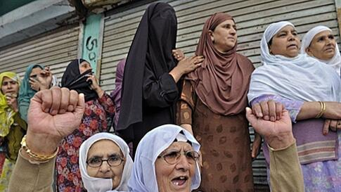 Kashmiri Muslims shout anti-US and pro-freedom slogans after offering funeral prayers in absentia for Al Qaeda chief Osama Bin Laden in Srinagar, India, on May 6, 2011. Islamist political parties called for mass protests to condemn the US operation in Pak
