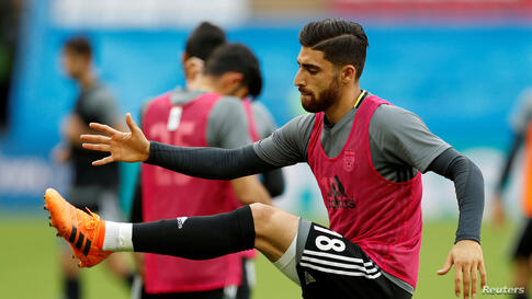 FILE PHOTO: Soccer Football - World Cup - Iran Training - Kazan Arena, Kazan, Russia - June 19, 2018   Iran's Alireza Jahanbakhsh during training   REUTERS/John Sibley/File Photo