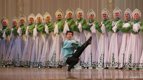 Students of the Krasnoyarsk choreographic college take part in a dress rehearsal of a performance at the State Theater of Opera and Ballet in Russia's Siberian city of Krasnoyarsk, May 20, 2014.