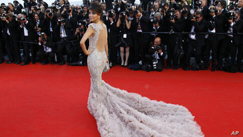 Actress Eva Longoria arrives for the opening ceremony and screening of Moonrise Kingdom at the 65th international film festival, in Cannes, France, May 16, 2012.