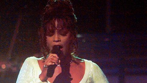 Whitney Houston sings at the 36th Annual Grammy Awards at New York's Radio City Music Hall on March 1, 1994. (AP)