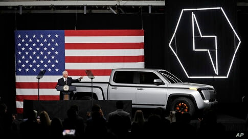 Vice President Mike Pence speaks at the launch of the electric Endurance pickup truck at Lordstown Motors Corporation, Thursday…