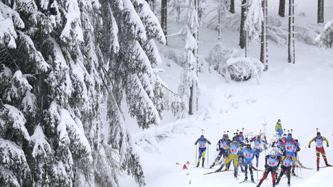 Athletes compete during the men's 4x7.5km relay race at the Biathlon World Cup in Oberhof, Germany, Friday, Jan. 15, 2021. (AP…