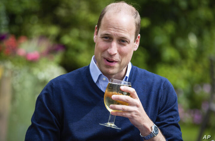 Photo by: KGC-512/STAR MAX/IPx 2020 7/3/20 Prince William, The Duke of Cambridge visits The Rose and Crown pub in Snettisham,…