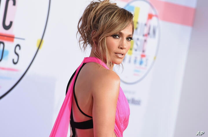 Jennifer Lopez arrives at the American Music Awards on Tuesday, Oct. 9, 2018, at the Microsoft Theater in Los Angeles. (Photo…