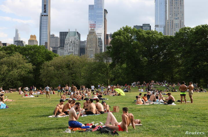 People enjoy going out in New York City as CDC eases COVID-19 guidance for those vaccinated on social distancing