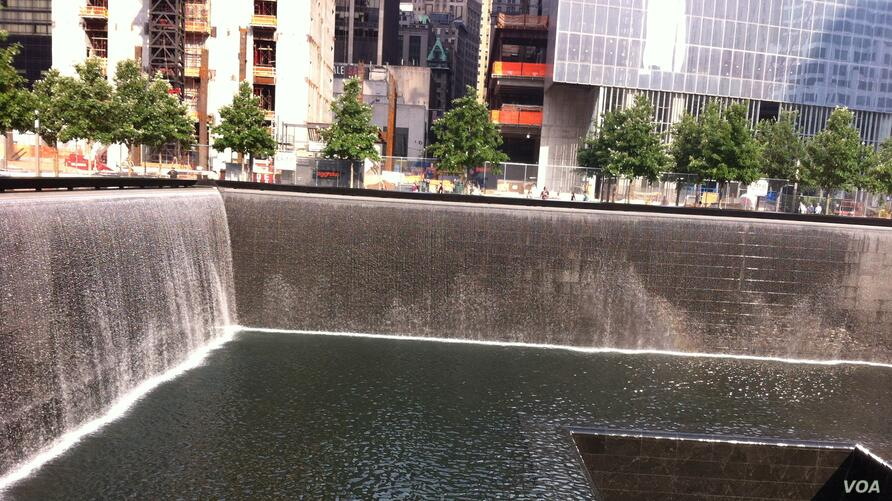Memorial commemorating those who died in the September 11, 2001 attacks in New York City (Photo: VOA / Sandra Lemaire)