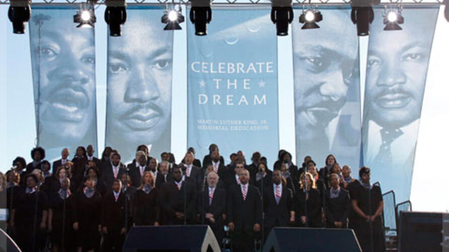 A choir sings on the main stage at the Martin Luther King, Jr. memorial dedication at the National Mall in Washington 16/10/2011