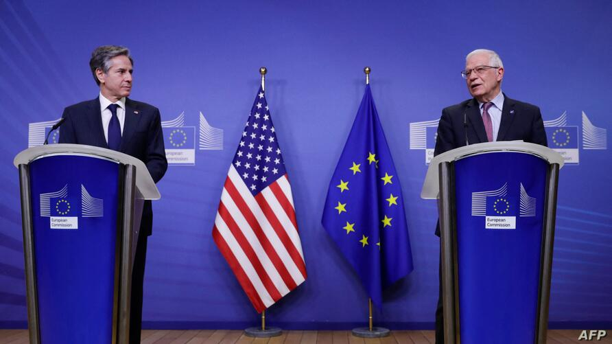 US Secretary of State Antony Blinken (L) and European High Representative of the Union for Foreign Affairs Josep Borrell give a…