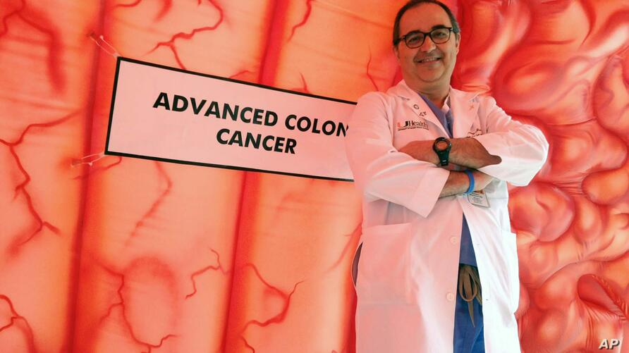 Dr. Floriano Marchetti, colorectal surgeon at Sylvester Comprehensive Cancer Center at University of Miami Health System in…