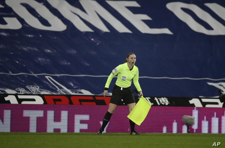 Assistant referee Sian Massey-Ellis during the English Premier League soccer match between West Bromwich Albion and Manchester…