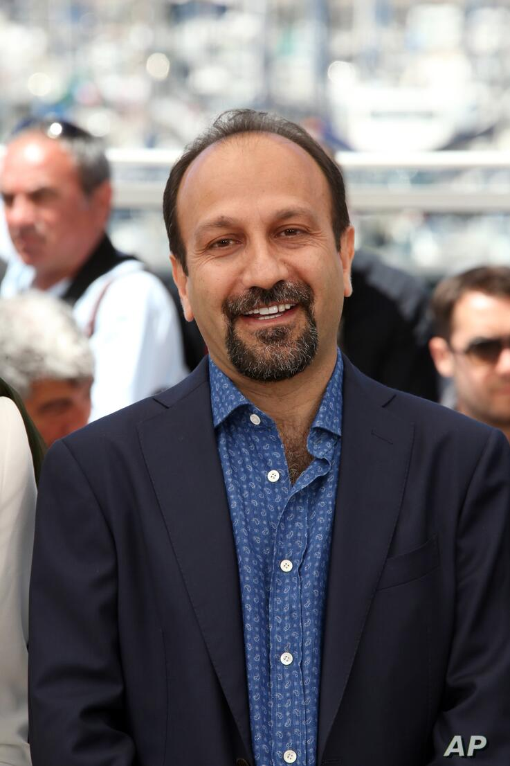 Director Ashgar Farhadi poses for photographers during a photo call for the film Forushande (The Salesman) at the 69th…