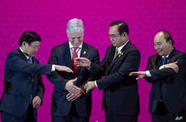 U.S. National Security Adviser Robert O'Brien, second left, with ASEAN leaders, from left, Laos Prime Minister Thongloun…