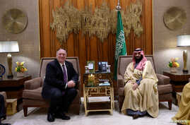 U.S. Secretary of State Mike Pompeo meets with Saudi Arabia's Crown Prince Mohammed bin Salman at Irqah Palace in Riyadh, Saudi…