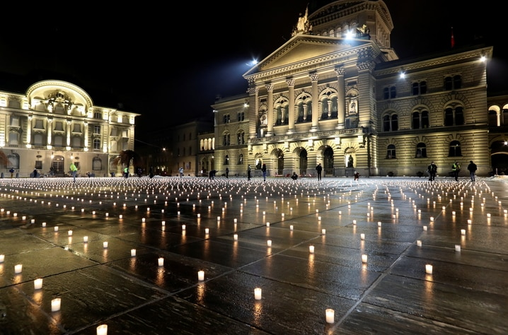 Candlelight vigil in memory of people who died of COVID-19, in Bern