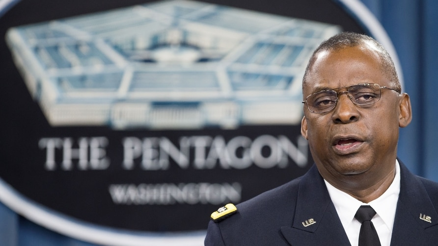 (FILES) In this file photo taken on October 17, 2014 Commander of US Central Command Gen. Lloyd Austin III conducts a media…