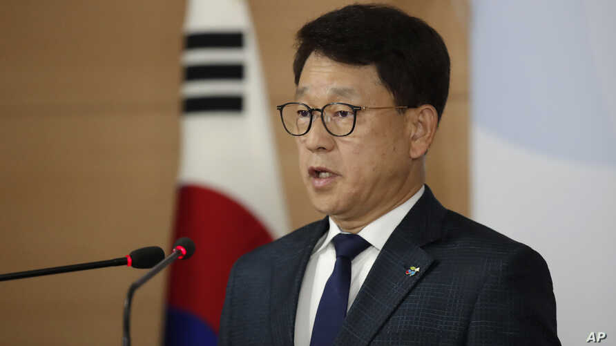 South Korea's Unification Ministry's spokesman Yoh Sang-key, speaks during a briefing at the government complex in Seoul, South…