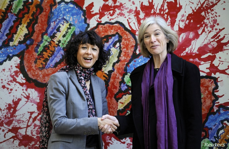 FILE PHOTO: French microbiologist Emmanuelle Charpentier (L) and professor Jennifer Doudna of the U.S. pose for the media…
