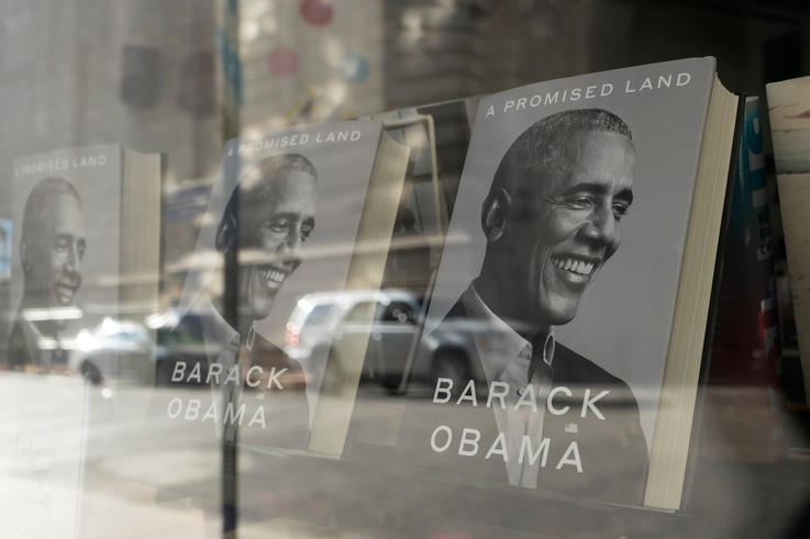 """""""A Promised Land"""" by former President Barack Obama is displayed in the window of a New York bookstore, Wednesday, Nov. 18, 2020…"""