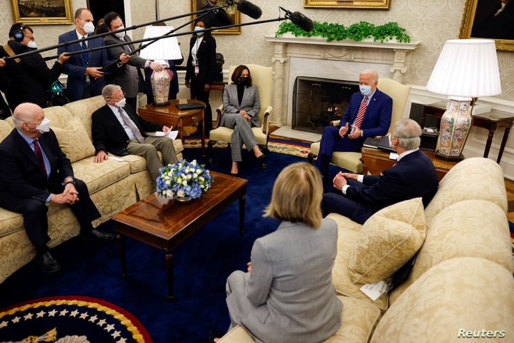 Meeting on infrastructure investment at the Oval Office of the White House in Washington