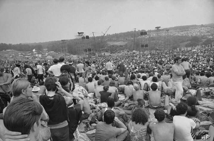 ARCHIVO - Parte del público en el Woodstock Music and Arts Festival. 14-8-69. Foto AP.