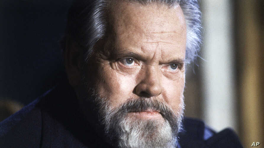 ARCHIVO- El actor y director Orson Welles durante una conferencia en París, Francia, 22/2/82.