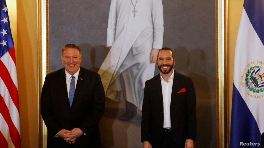 President of El Salvador Nayib Bukele poses for photos with U.S. Secretary of State Mike Pompeo at a joint news conference at…