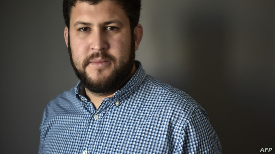 Venezuelan exile David Smolansky poses for a picture following an interview with AFP in Washington, DC, on November 24, 2017. -…