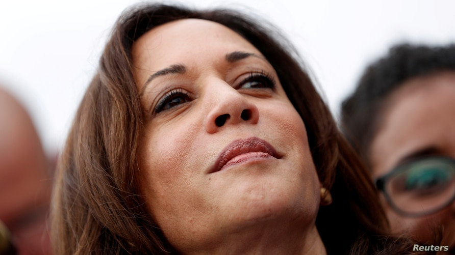 FILE PHOTO: U.S. Democratic presidential candidate and U.S. Senator Kamala Harris joins with striking McDonalds workers in Las Vegas