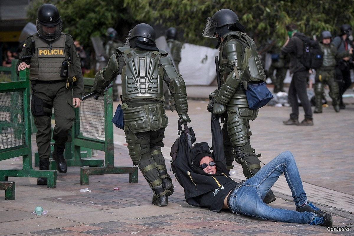 """Human Rights Watch denuncia """"brutalidad"""" policial en Colombia contra  manifestantes 