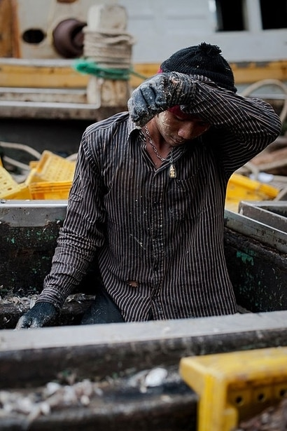 FILE - Thousands of men from Myanmar and Cambodia set sail on Thai fishing boats every day, but many are unwilling seafarers – slaves forced to work in brutal conditions under threat of death, Sept. 1, 2011. (AFP)