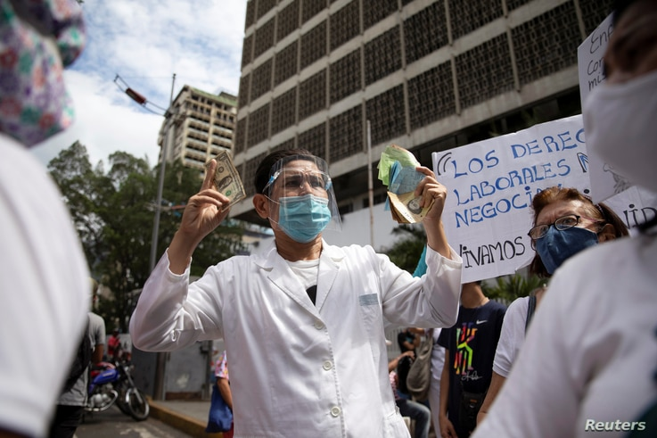 Healthcare workers protest against low wages in Caracas, Venezuela, October 29, 2020. Picture taken October 29, 2020. REUTERS…