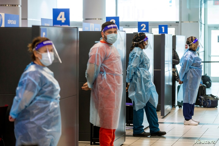 FILE PHOTO: Coronavirus disease (COVID-19) test become mandatory upon arrival in Toronto